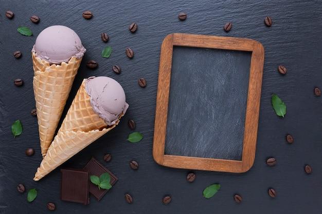 Makiety lodów kawowych i tablica Darmowe Zdjęcia