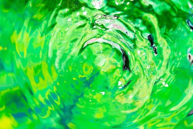 Makro Pierścienie Wody Na Zielonej Powierzchni Basenu Darmowe Zdjęcia