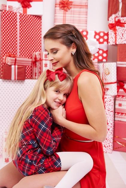 Mała Dziewczynka Blisko Matki Darmowe Zdjęcia