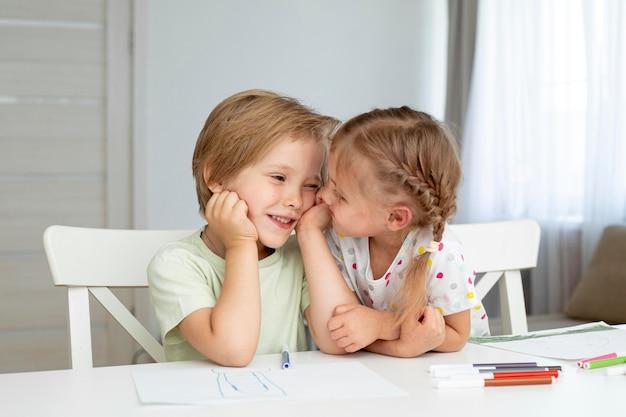Małe Dzieci, Rysunek Razem Darmowe Zdjęcia