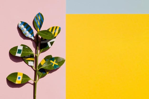 Malowane Ficus Z żółtym Tle Kopii Miejsca Darmowe Zdjęcia