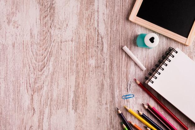 Malowanie ustawione na stole Darmowe Zdjęcia