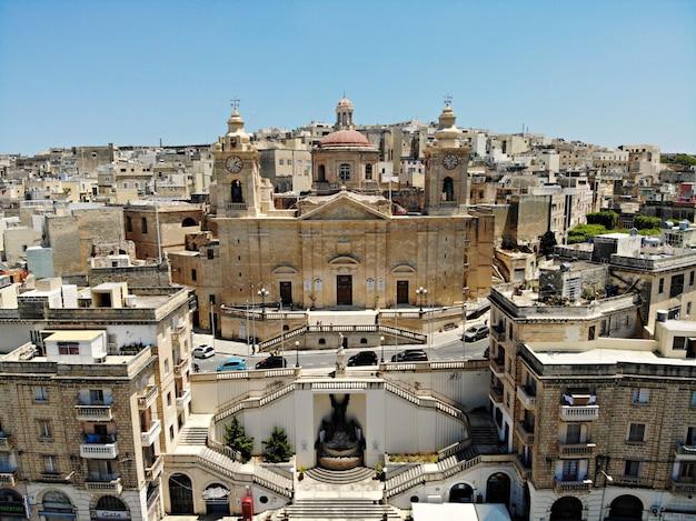 Malta Z Góry. Nowy Punkt Widzenia Dla Twoich Oczu. Piękne I Wyjątkowe Miejsce O Nazwie Malta. Odpoczynek, Odkrywanie I Przygoda. Musisz Zobaczyć Dla Wszystkich. Europa, Wyspa Na Morzu śródziemnym. Premium Zdjęcia