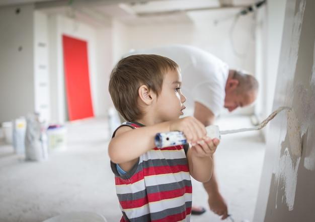 Mały śliczny Chłopiec Obraz Na ścianie Premium Zdjęcia