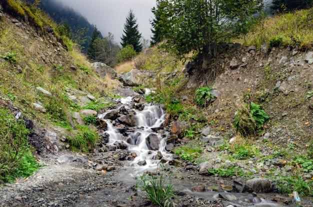 Mały Wodospad W Uzungol W Trabzon Premium Zdjęcia