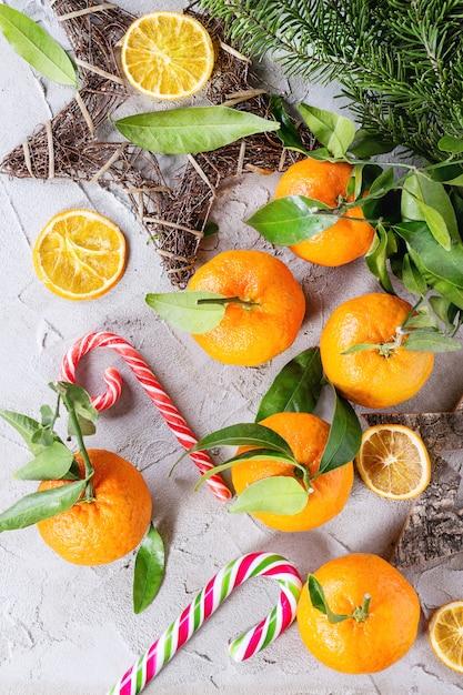 Mandarynki W świątecznym Stylu Premium Zdjęcia