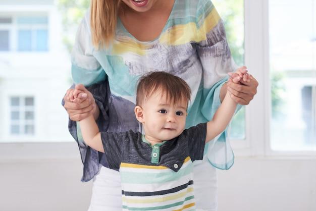 Matka Bawi Się Z Synem Darmowe Zdjęcia