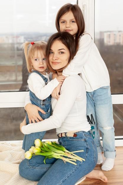 Matka Tuląca Dzieci Darmowe Zdjęcia