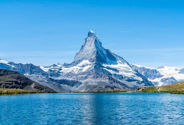 Matterhorn Z Stellisee Lake W Zermatt Premium Zdjęcia