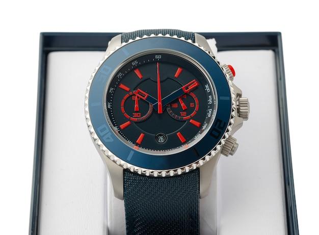 Mechaniczny Zegarek Na Białym Tle Premium Zdjęcia