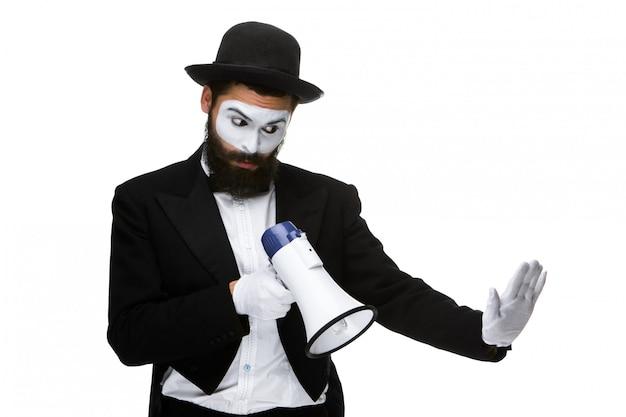 Mężczyzna Z Mimem Twarzy Krzyczy Do Megafonu Darmowe Zdjęcia