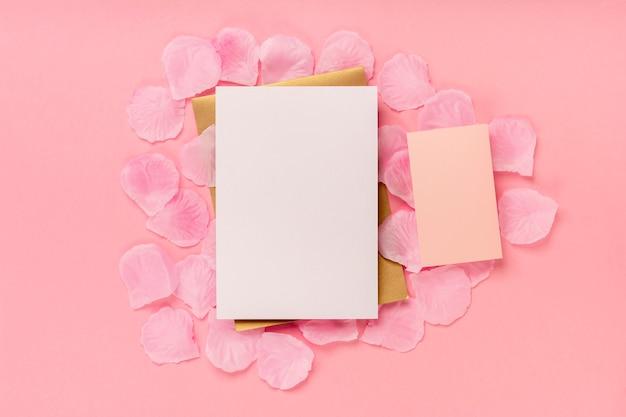 Mieszkanie Leżał Skład Quinceañera Na Różowym Tle Darmowe Zdjęcia