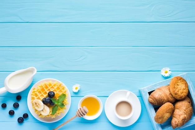 Mieszkanie świeckich Stół śniadaniowy Z Copyspace Darmowe Zdjęcia
