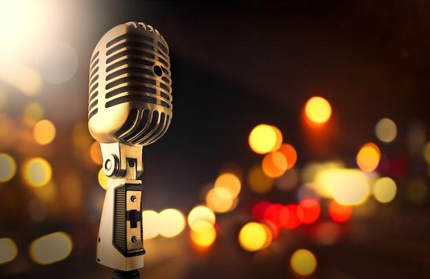 Mikrofon I Niewyraźne światła Premium Zdjęcia