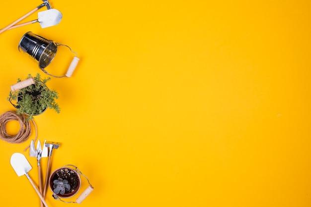 Miniaturowe narzędzia ogrodnicze z miejsca kopiowania Darmowe Zdjęcia