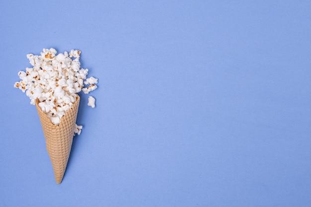 Minimalistyczny Szyszka Lodów Popcorn Z Koncepcji Miejsca Kopiowania Darmowe Zdjęcia