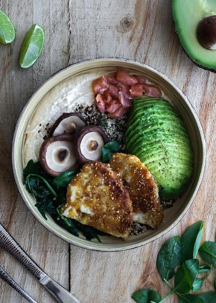 Miska Buddy, Zdrowe I Zbilansowane Jedzenie, Widok Z Góry Premium Zdjęcia