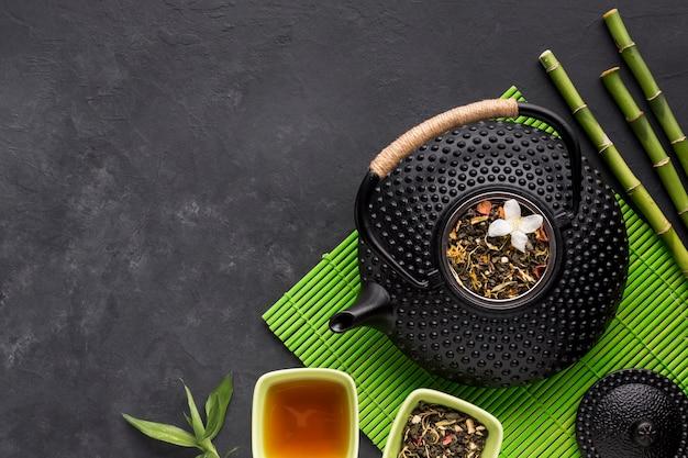 Miska Herbaty Z Różnych Ziół Z Suszonych Kwiatów Darmowe Zdjęcia