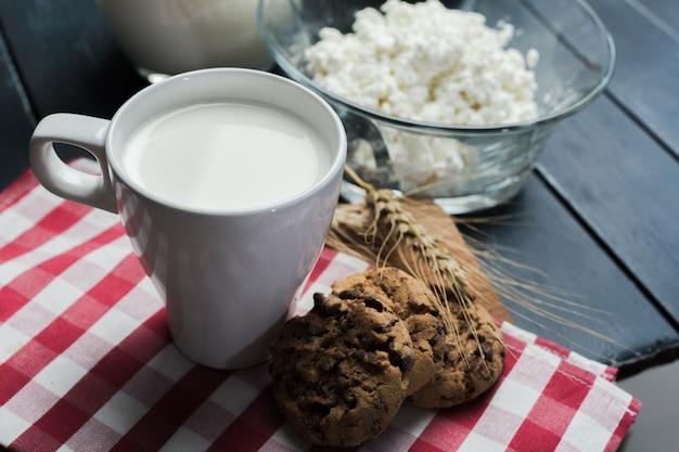 Mleko, Twaróg - Produkty Mleczne Premium Zdjęcia
