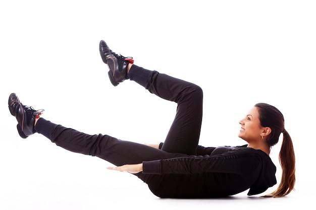 Młoda Kobieta Robi ćwiczenia Fitness Darmowe Zdjęcia