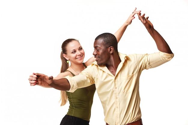 Młoda Para Tańczy Karaibską Salsę, Strzał Darmowe Zdjęcia