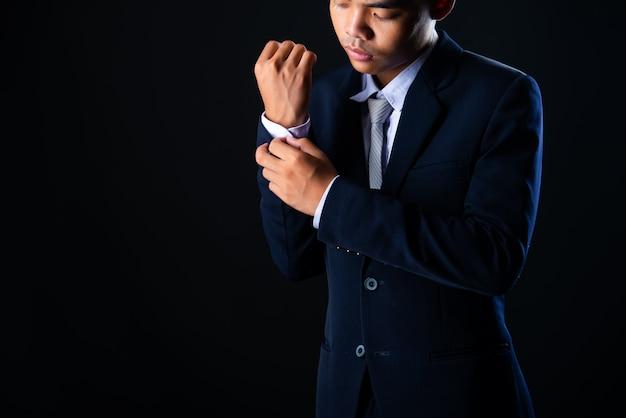 Młody przystojny biznesowy mężczyzna popielaty Darmowe Zdjęcia