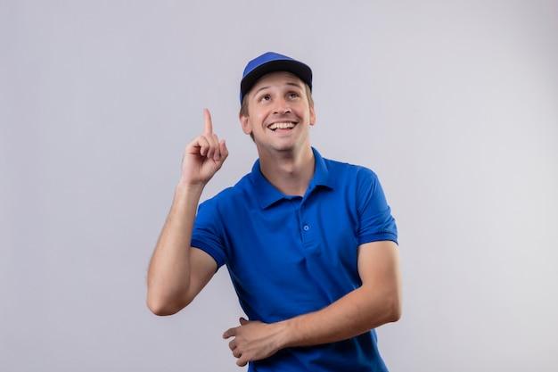 Młody Przystojny Mężczyzna W Niebieskim Mundurze I Czapce Darmowe Zdjęcia