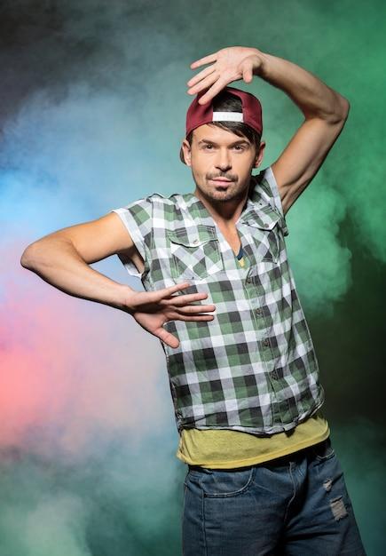 Młody Stylowy Mężczyzna, Tancerz Hip-hopu. Premium Zdjęcia