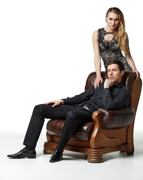 Moda Mężczyzna I Kobieta Na Fotel Vintage Darmowe Zdjęcia