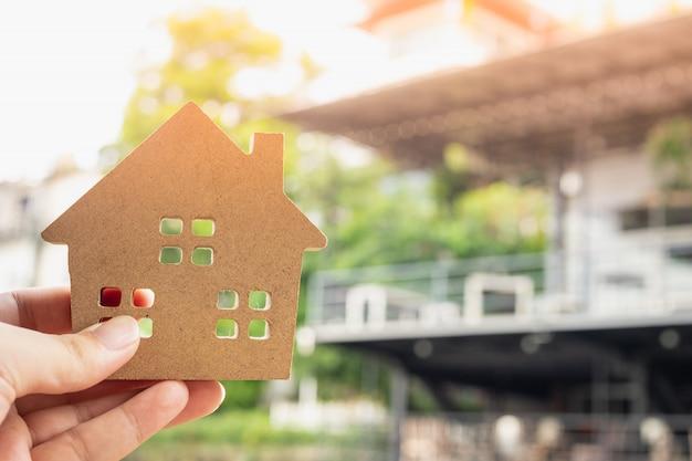 Model domu w domu brokera ubezpieczeniowego domu Premium Zdjęcia