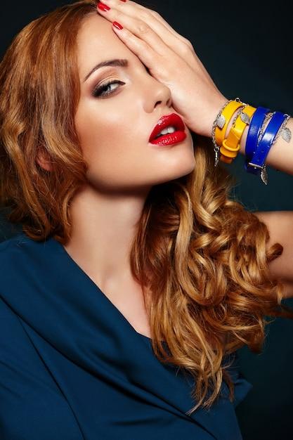 Mody Look.glamor Zbliżenie Portret Model Piękny Seksowny Stylowy Blond Kaukaski Młoda Kobieta Z Jasny Makijaż, Z Czerwonymi Ustami Darmowe Zdjęcia