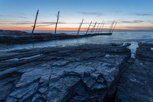 Molo Pod Pięknym Niebem O Zachodzie Słońca Na Morzu Adriatyckim W Miejscowości Savudrija Na Istrii W Chorwacji Darmowe Zdjęcia