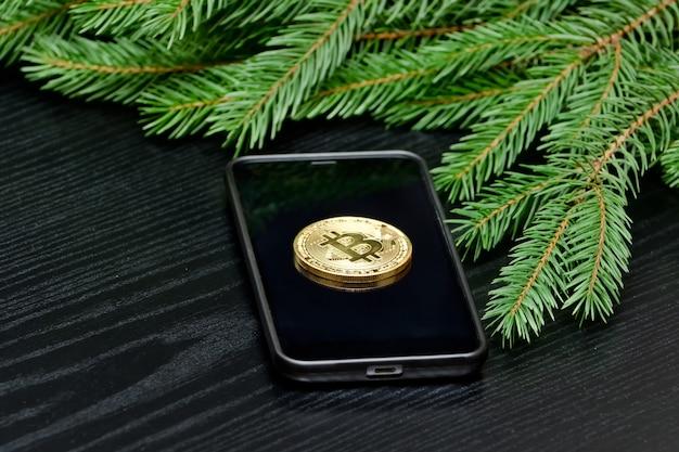 Moneta Kryptowaluty Bitcoin W Telefonie Premium Zdjęcia