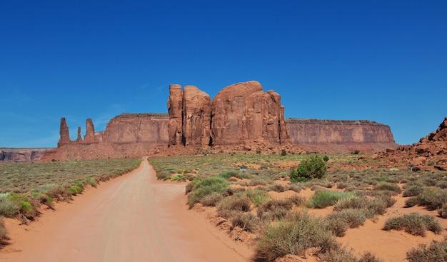 Monument valley w stanie utah i arizonie Premium Zdjęcia