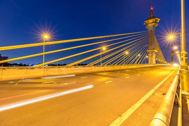 Most W Nonthaburi Tajlandia Zmierzchu Premium Zdjęcia
