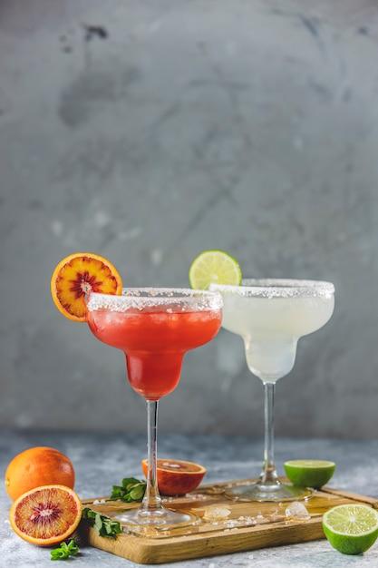 Mrożona Margarita Z Limonki I Krwistoczerwona Margarita Premium Zdjęcia