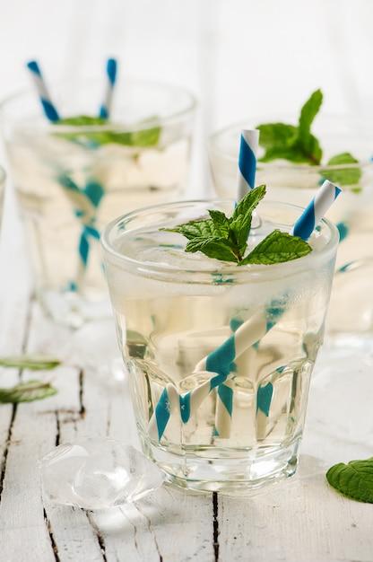 Mrożona Zielona Herbata Z Miętą Premium Zdjęcia
