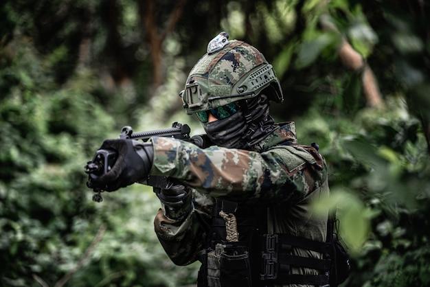 Mundur żołnierza Premium Zdjęcia