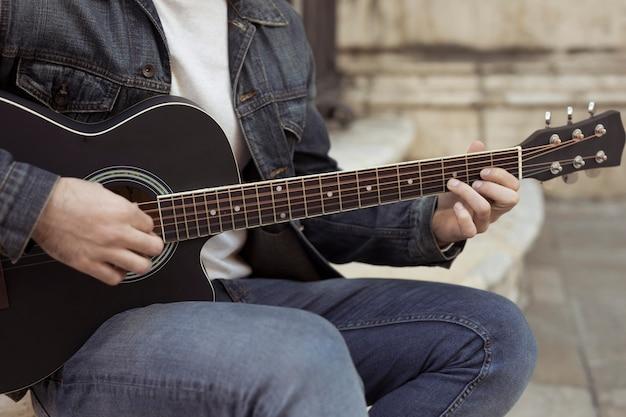 Muzyka gitarowa na zewnątrz Darmowe Zdjęcia