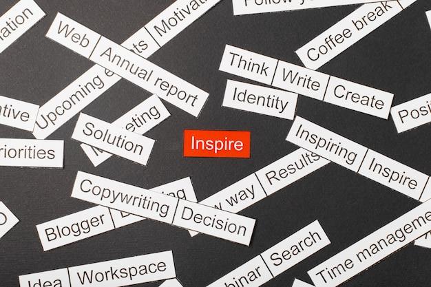 Napis inspiruje wycięty z papieru Premium Zdjęcia