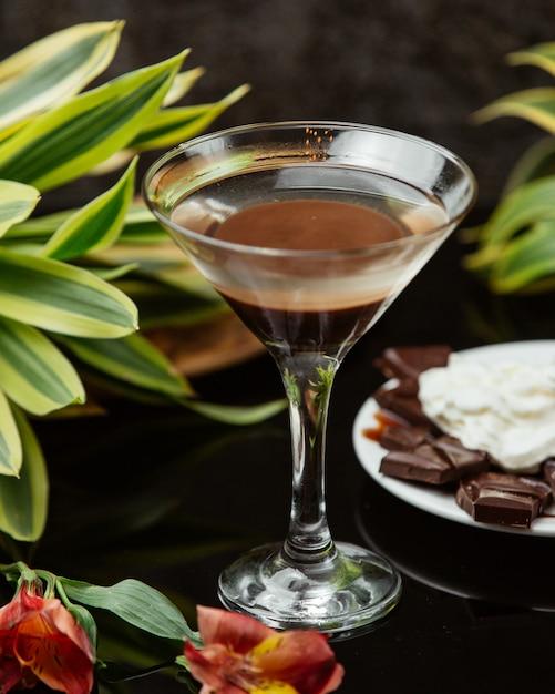 Napój Czekoladowy W Szklance Martini Darmowe Zdjęcia