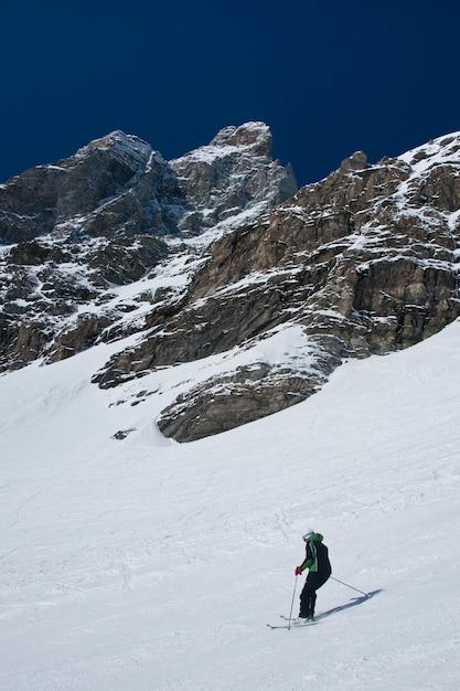 Narty Pod Matterhorn Premium Zdjęcia