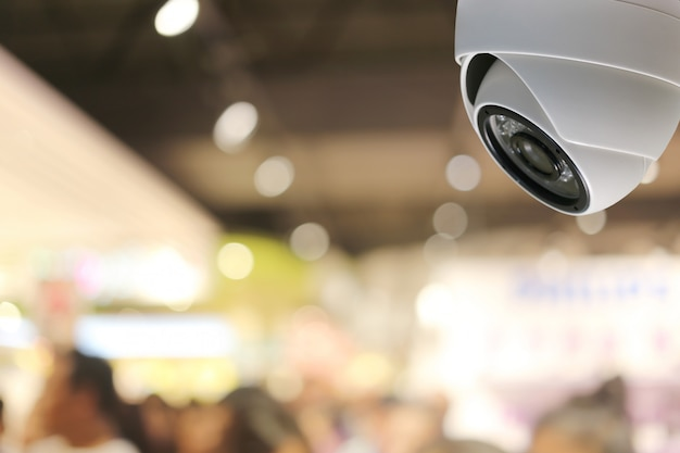 Narzędzie Cctv W Centrum Handlowym Sprzęt Do Systemów Bezpieczeństwa. Premium Zdjęcia