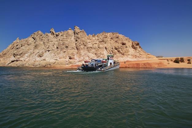 Nasser jezioro w egipcie, afryka Premium Zdjęcia