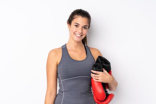 Nastolatka Sporta Dziewczyna Nad Odosobnioną Biel ścianą Premium Zdjęcia