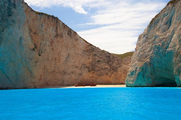 Navagio Plaża Na Wyspie Zakynthos, Grecja Premium Zdjęcia