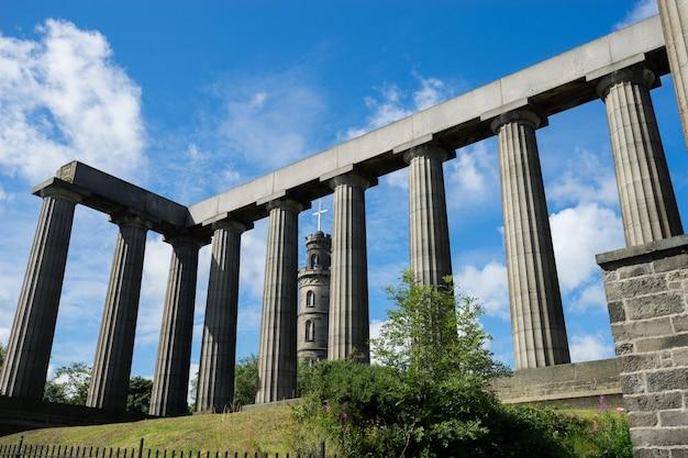 Nelson's Monument & The National Monument, Edynburg, Wielka Brytania Premium Zdjęcia