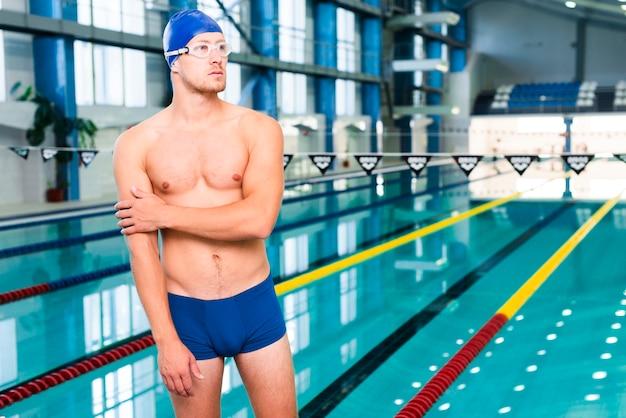 Nerwowy pływak przed zawodami Darmowe Zdjęcia