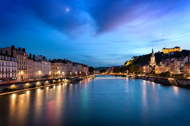 Niebieska Godzina W Lyonie Premium Zdjęcia