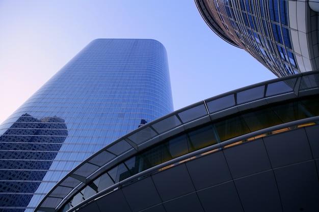 Niebieskie Lustro Szklane Fasady Wieżowiec Budynków Premium Zdjęcia